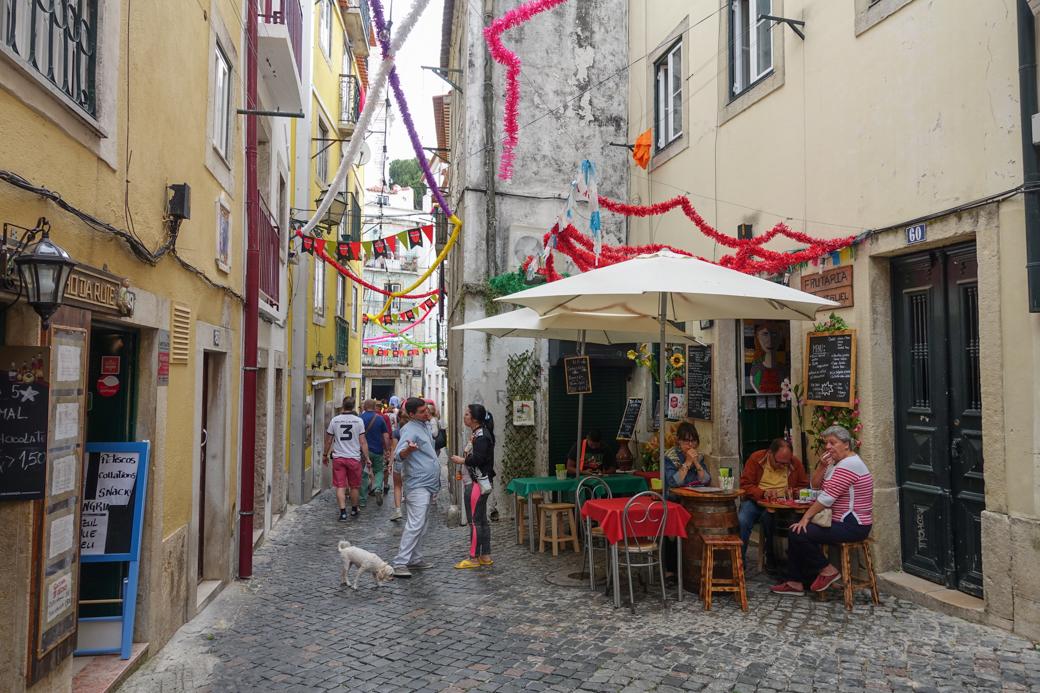 Typisch straatbeeld voor Alfama