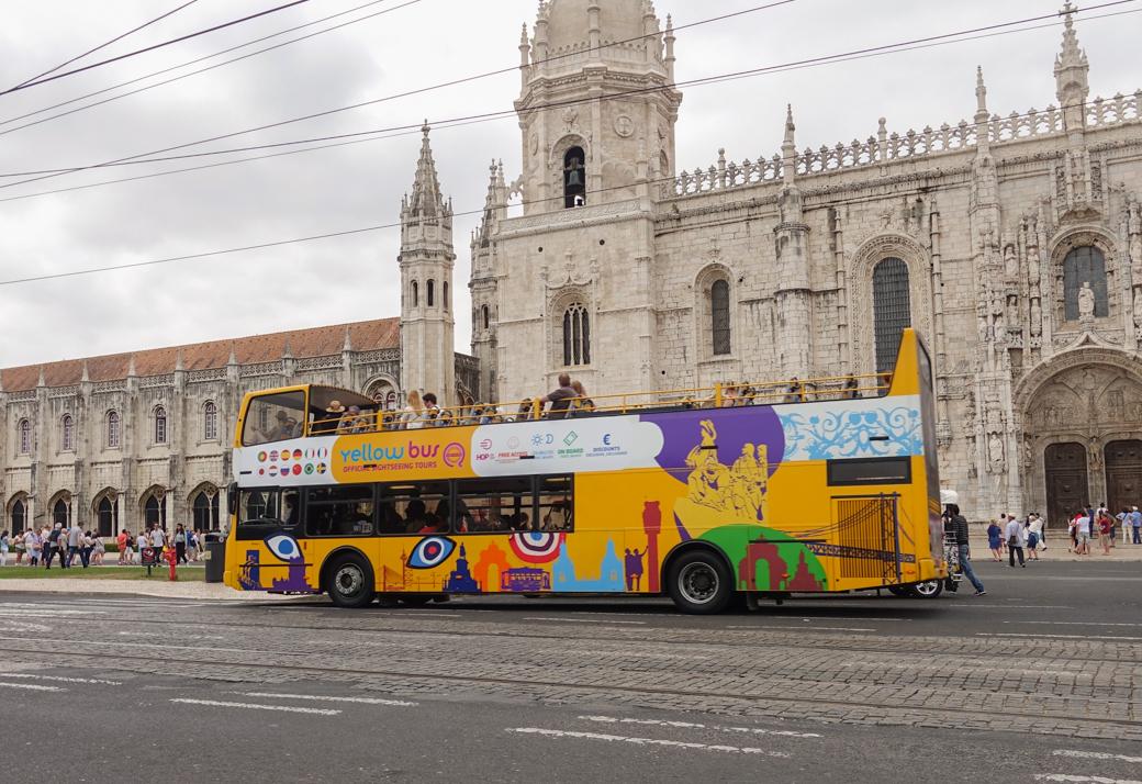hop on hop off bus in Lissabon
